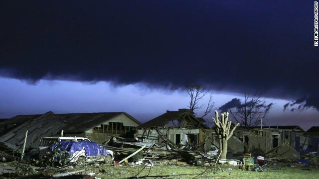 130521083430-01-ok-tornado-0521-horizontal-gallery